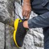 کفش ورزشی Adidas مردانه مشکی زرد مدلMahan 2
