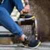 کفش ورزشی Nike مردانه مشکی زرد مدل Roham2